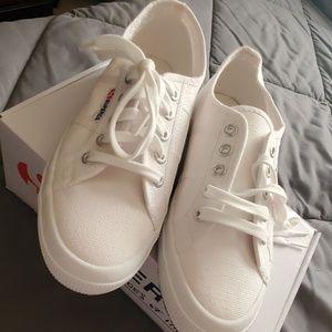 BNIB Superga size 7.5 all white sneakers